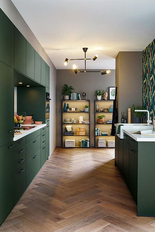 Seitenansicht - Siena Küchenzeile von Systhema in dunkelgrün