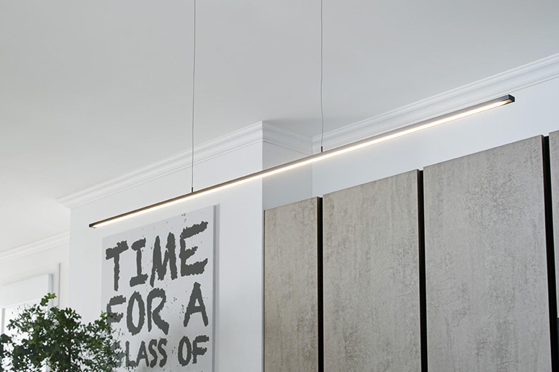 Detailansicht LED Pendelleuchte aus Edelstahl-Onyx